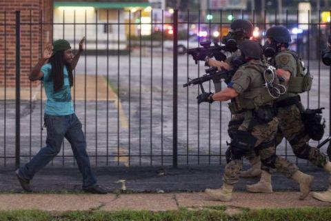 Обоснованность применения силы при массовых беспорядках в США